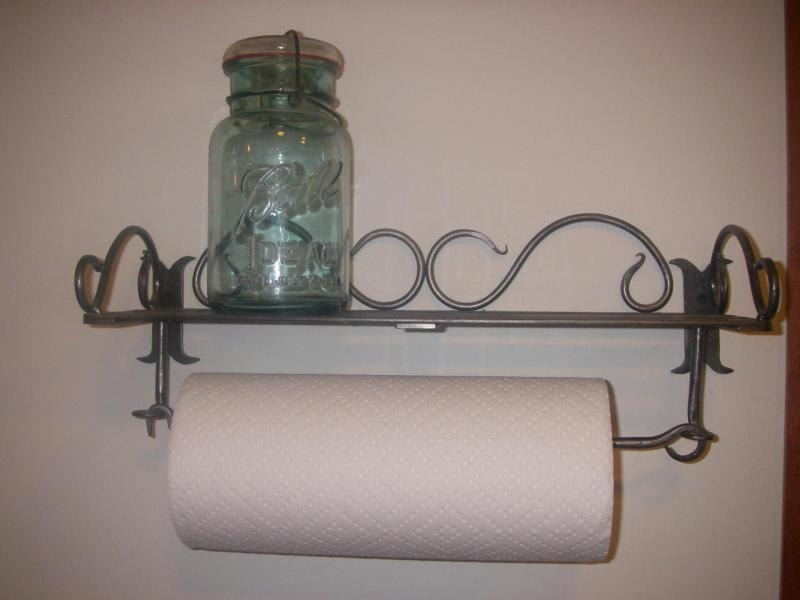 Mounted Towel Rack - Lovequilts